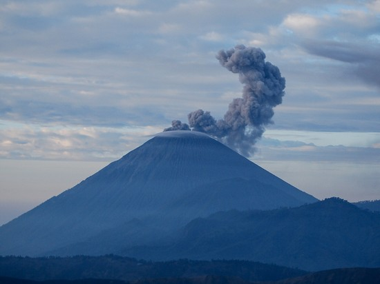 photo volcan bromo indonésie